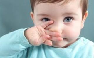Ребенку месяц, хрюкает носом, но соплей нет причины, что делать