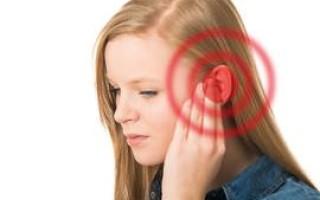 Закладывает ухо при насморке – что делать, причины и лечение