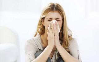 Симптомом каких заболеваний могут быть белые сопли?