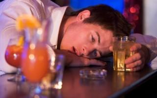 Что выпить с похмелья от головы — чем помочь?