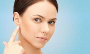 Причины когда болит за ухом косточка и что необходимо делать