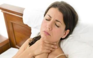 Когда болит горло по ночам: причины, и что необходимо делать