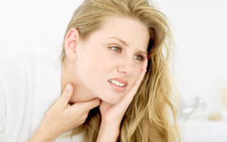 Комок в горле: причины и лечение