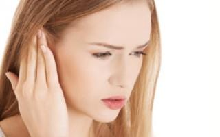 Заложило ухо и болит – возможные причины и методы лечения