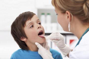 у ребенка больное горло