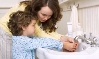 частое мытьё рук