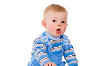у ребенка красное горло