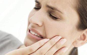 болит горло после удаления зуба