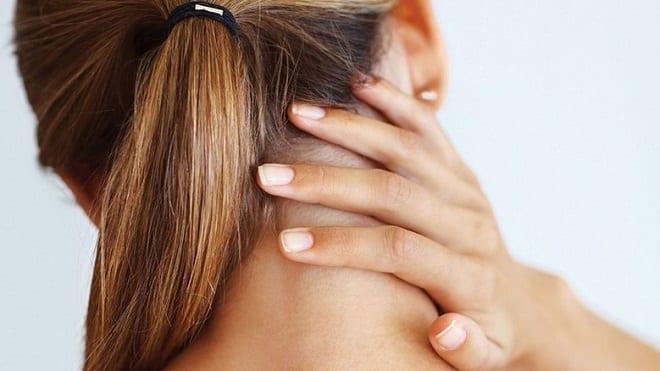 боль в шее за ухом