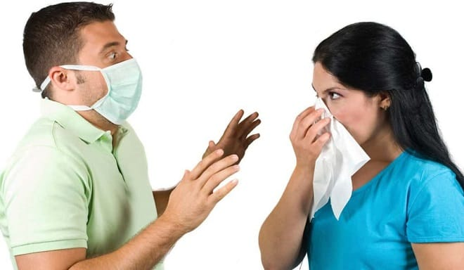 передача заболевания воздушно-капельным путем