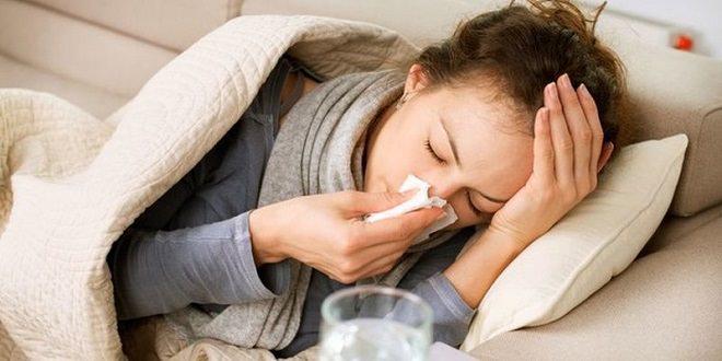 девушка заболела гриппом