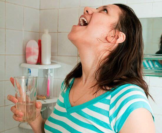 Чешется горло: как устранить зуд и першение в горле?