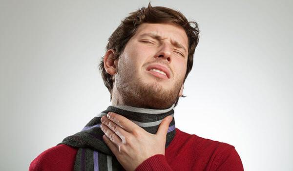 Болит горло с одной стороны как лечить