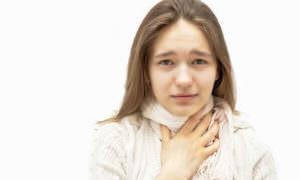 Болит горло и отдает в ухо