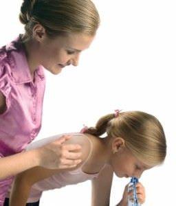 Как использовать солевой раствор для промываний детям
