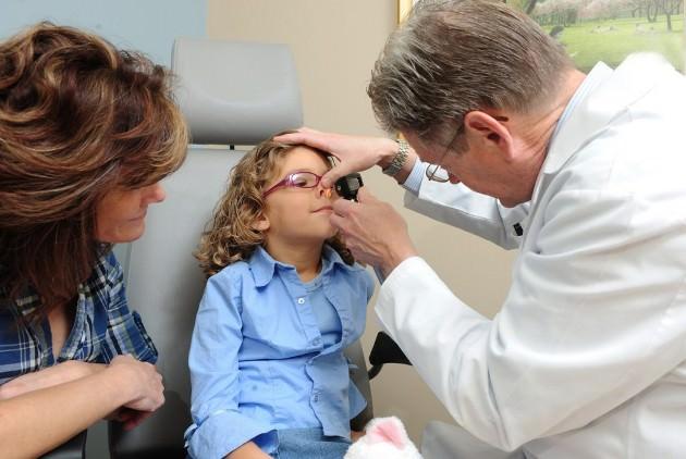 лечение соплей у ребенка по Комаровскому