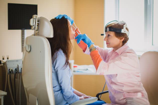 При лечении синусита назначается комплексное лечение