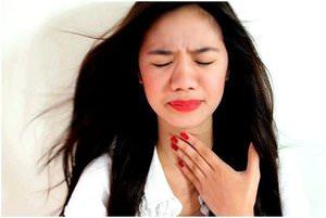 Что нельзя делать при кости в горле