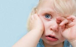 Как лечить воспаление среднего уха у ребенка?
