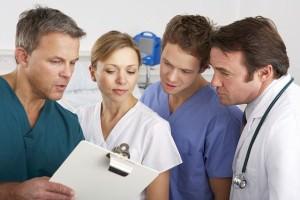 Врачи обсуждают диагноз