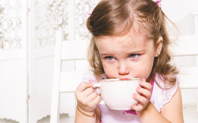 Обильное питье может облегчить состояние при рините