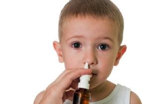 Особенности применения детского Пиносола в нос для лечения