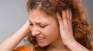 Причины шуршения в ухе
