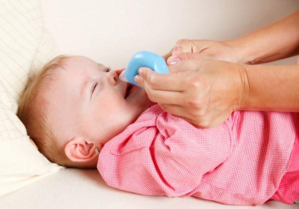 физраствор для промывания носа новорожденному