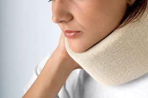 Солевой компресс при болях в горле