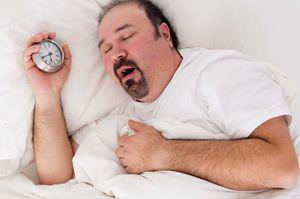 Чтобы избавиться от храпа, иногда достаточно мужчине скинуть лишний вес
