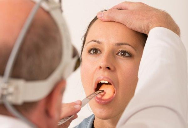 Симптомы стоматита в горле