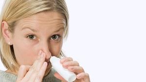Закапывание носа раствором диоксидина при гайморите