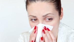 Нос закладывает, когда человек заболевает ОРВИ или гриппом
