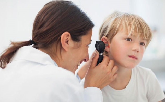 Ребёнок на осмотре у врача