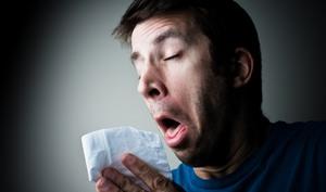 Как лечить насморк народными средствами