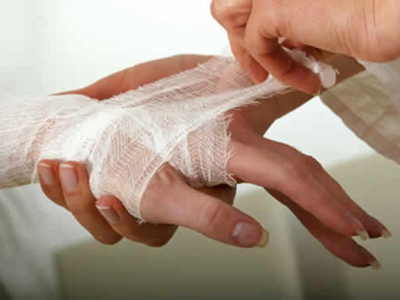 Лизоцим используют при лечении гнойных ран и ожогов