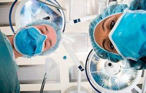 Анестетики вводят либо внутривенно, либо с помощью дыхательной маски